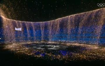 """Nổi hết da gà trước màn trình diễn """"Dòng sông ngân hà"""" huyền ảo trong lễ bế mạc Olympic 2020"""