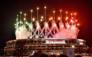 Mãn nhãn với màn pháo hoa tuyệt đẹp khép lại Olympic 2020