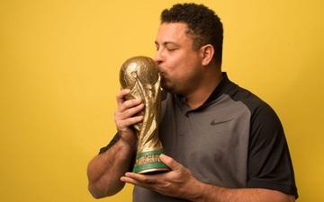 """Ronaldo """"béo"""" ủng hộ việc tổ chức World Cup 2 năm/lần"""