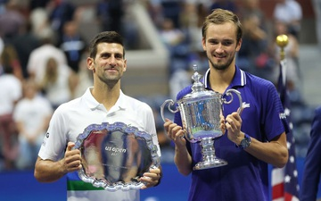 Djokovic thua trắng 3 set ở chung kết US Open, bỏ lỡ thời cơ vàng vượt Federer và Nadal