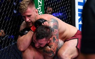 Sân chơi DWCS: 5 cái tên mới gia nhập UFC trong ngày xuất hiện hàng loạt chiến thắng bằng khóa siết