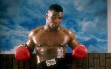 """Đêm điên rồ của Mike Tyson trước ngày cắn tai Evander Holyfield và nét hoang dại trong con người """"Tay đấm thép"""""""