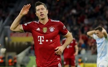 """""""Sát thủ"""" Lewandowski lập cú đúp, Bayern thắng đậm 5-0 để tiếp tục """"hủy diệt"""" bảng đấu có sự góp mặt của Barcelona"""