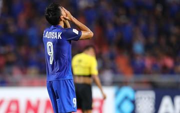 """""""Tội đồ"""" của tuyển Thái Lan bật khóc, nức nở nói lời xin lỗi người hâm mộ"""