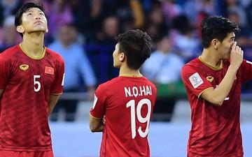 """Quang Hải quay lưng không dám xem Dũng """"bộ đội"""" tung cú sút lịch sử"""