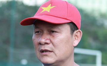 HLV Nguyễn Quốc Tuấn lo lắng khi các học trò về nhà nghỉ Tết Nguyên đán