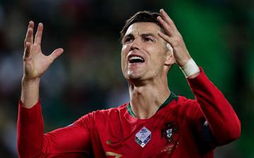 Ronaldo đánh dấu bàn thắng thứ 699 theo phong cách khiến tất cả phải bất ngờ