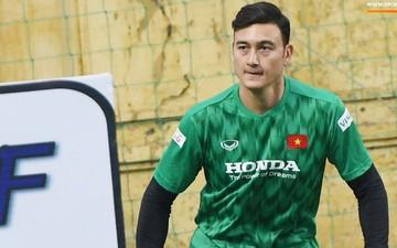Văn Lâm tập buổi đầu tiên cùng tuyển Việt Nam, HLV Park Hang-seo chú trọng rèn thể lực cho học trò trước cuộc đọ sức với UAE