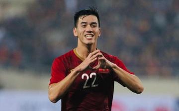 Khắp Đông Nam Á chúc mừng Việt Nam sau thắng lợi vẻ vang còn fan Thái Lan đổ lỗi cho mặt sân xấu nên mới để thua Malaysia