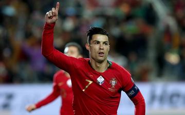 """Ronaldo lập hat-trick, tuyển Bồ Đào Nha thắng """"set tennis trắng"""" để tiến sát vé dự Euro 2020"""