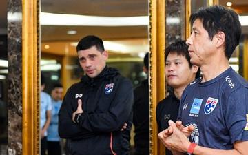 """Tuyển Thái Lan khiến giới truyền thông """"việt vị"""": Thuê sân tập cách xa 20 km rồi lại... tập gym tại khách sạn"""