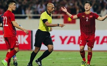 """Trọng tài hết """"đẹp trai"""", gây tranh cãi với những quyết định thổi phạt bất lợi cho đội tuyển Việt Nam"""