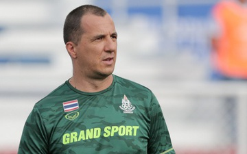 """FIFA phủ nhận cáo buộc """"miệt thị ngoại hình"""" HLV Park Hang-seo, trợ lý HLV U22 Thái Lan thoải mái tham dự SEA Games"""