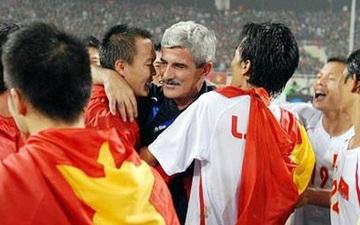 HLV huyền thoại Henrique Calisto phấn khích chúc mừng U22 Việt Nam vô địch SEA Games
