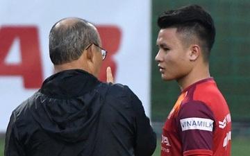 """Quang Hải gọi thầy là """"sếp"""" trong lần đầu tiên được về thăm quê nhà HLV Park Hang-seo"""