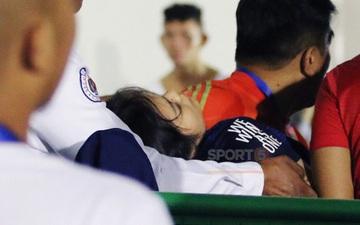 Nữ tình nguyện viên SEA Games 30 ngã bất tỉnh nhân sự, phải đi cấp cứu gấp vì mải nghe điện thoại