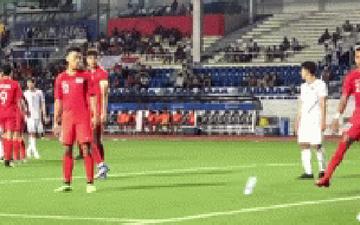 Góc nghiệp quật: Ăn gian nhưng bị Đức Chinh phát hiện, cầu thủ Singapore gián tiếp khiến đội nhà thua đau
