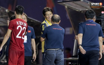 HLV U22 Thái Lan chủ động sang bắt tay thầy Park, hẹn phân thắng bại ở trận tiếp theo sau 3 lần toàn hoà