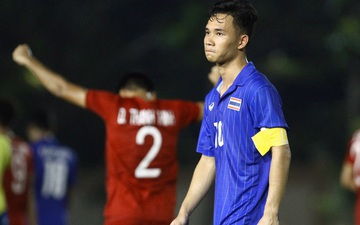 Bị Việt Nam cho về nhà sớm, cầu thủ Thái Lan suy sụp, thất thần, xấu hổ đến mức không dám nhìn các cổ động viên
