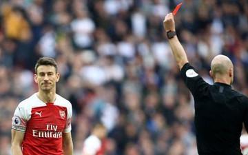 Hai quyết định sai lầm của trọng tài góp phần khiến Arsenal bị chia điểm với Tottenham