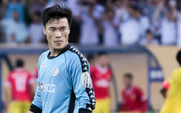 Thua thất vọng trước Nam Định, HLV Hà Nội FC vẫn bảo vệ Bùi Tiến Dũng hết lòng