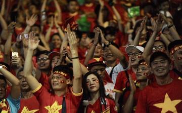 CĐV Việt Nam và CĐV Thái Lan hô vang tên nhau sau trận đại chiến tại King's Cup 2019