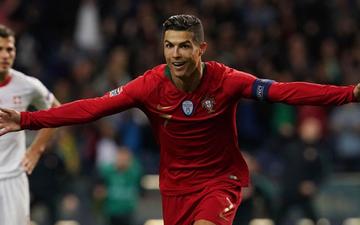 Siêu nhân Ronaldo một mình ghi 3 bàn thắng đẹp, gánh tuyển Bồ Đào Nha vào chơi trận chung kết UEFA Nations League