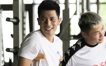 Đình Trọng đến gặp bác sĩ Choi tại PVF, chuẩn bị trị liệu phục hồi sau phẫu thuật