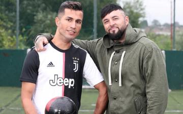 """Chàng thợ xây một bước đổi đời nhờ ngoại hình """"anh em song sinh"""" với Ronaldo"""
