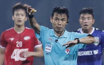 """BTC V.League thuê 2 """"vua áo đen"""" của Malaysia làm nhiệm vụ sau scandal """"bẻ còi"""" của trọng tài Việt"""