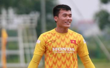 Bùi Tiến Dũng và các đồng đội khiến HLV U22 Việt Nam bở hơi tai trong màn đá bóng ma