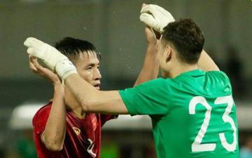 Văn Lâm, Tiến Dũng phối hợp xuất sắc, cứu thua cho tuyển Việt Nam ở giây cuối cùng trong cuộc đọ sức với Thái Lan