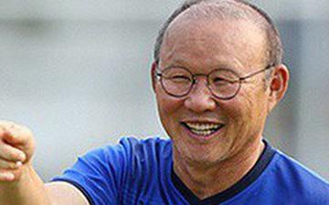 HLV Park Hang-seo vui vẻ chia sẻ về chiếc thẻ vàng phải nhận trong trận đấu với Thái Lan