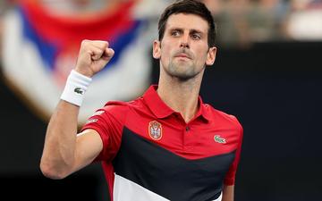 Đáp lời hoa khôi banh nỉ, Djokovic nhận sự cổ vũ cuồng nhiệt để ngược dòng kịch tính giúp Serbia vào bán kết ATP Cup