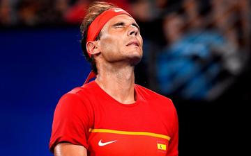 """Nadal """"thoát xác"""" hú vía từ tội đồ hóa người hùng, Tây Ban Nha nhọc nhằn vào bán kết ATP Cup"""