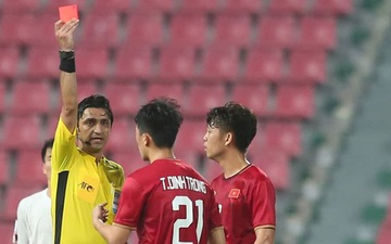 """Khoảnh khắc đáng quên nhất VCK U23 châu Á 2020: Đình Trọng nhận thẻ đỏ, U23 Việt Nam """"mất hết"""" sau trận đấu với U23 Triều Tiên"""