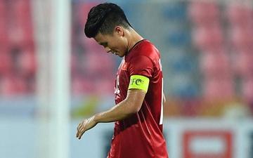 Các tuyển thủ U23 Việt Nam cúi đầu thất vọng sau khi bị loại khỏi U23 châu Á 2020