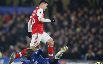 Nam thần Kante bất ngờ tái hiện cú trượt chân kinh điển của Gerrard, Chelsea đánh rơi chiến thắng trước Arsenal dù sở hữu lợi thế cực lớn