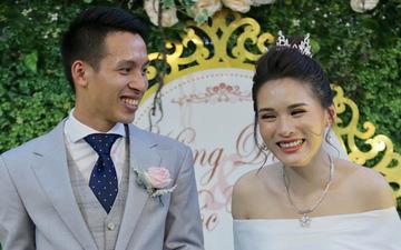 """Tuyển thủ Việt Nam nổi tiếng là thế, nhưng về nhà bị vợ tuyên bố xanh rờn: """"Ông về nhà cũng chỉ là người thường thôi"""""""