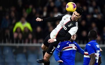 """Tuổi không còn trẻ, Ronaldo vẫn khiến cả thế giới thán phục với màn """"ngưng đọng thời gian"""" kinh điển: bật cao gần 2,6 mét, đóng băng trên không và đánh đầu ghi bàn"""