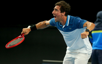 Trò hề tại ATP Cup: Bị cảnh cáo vì chơi thiếu nỗ lực, tay vợt giận dỗi bỏ cuộc và màn tấu hài khó đỡ sau đó
