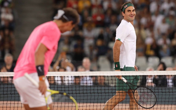 """Federer cho Nadal """"ăn hành"""" ở trận đấu lập kỷ lục vô tiền khoáng hậu về khán giả"""
