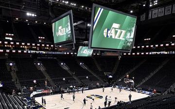Phản ứng của cầu thủ NBA và giới truyền thông trước thông tin giải đấu sẽ bị hoãn vô thời hạn vì Covid-19