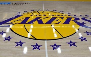 Nhân viên tại Staples Center được nhận lương trong thời gian tạm hoãn NBA vì dịch Covid-19