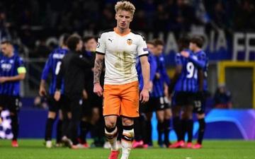 """Nóng: Xác định trận đấu đầu tiên tại giải bóng đá hấp dẫn nhất châu Âu phải thi đấu không khán giả vì dịch Covid-19, hàng loạt trận đấu khác cũng rơi vào vòng """"nguy hiểm"""""""