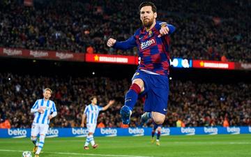 Messi ghi bàn từ chấm phạt đền gây tranh cãi, Barcelona thắng chật vật để leo lên ngôi đầu La Liga