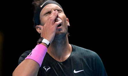 Thua ngược cay đắng, Nadal và Djokovic dắt tay cùng rời ATP Finals