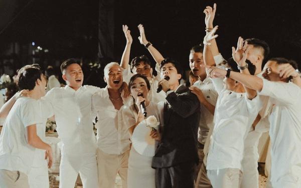 Công Phượng và Viên Minh song ca trong đám cưới: Cô dâu đi chân đất, chill đến mệt nhoài vẫn cực vui