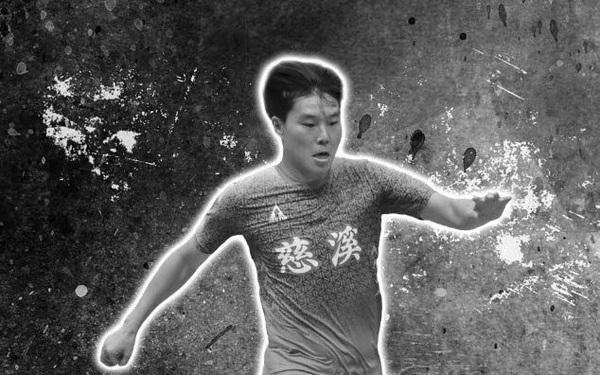 """Cựu tuyển thủ futsal Trung Quốc đột tử trên sân """"phủi"""""""