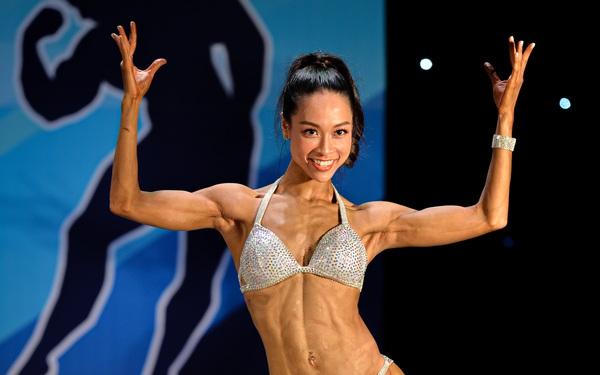 Nữ chính Lưu Phương Linh (Người ấy là ai) bất ngờ xuất hiện trên sàn thi đấu thể hình quốc gia